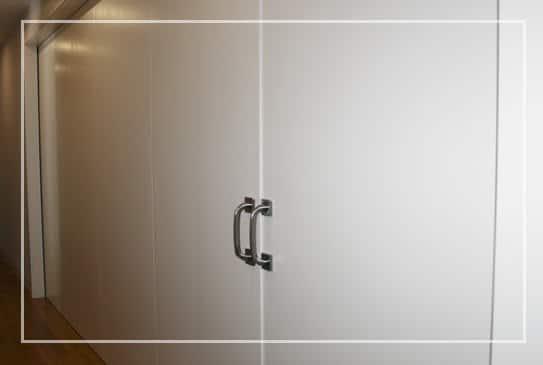 En muebles mudeval fabricamos las puertas de tu hogar for Muebles valverde del camino